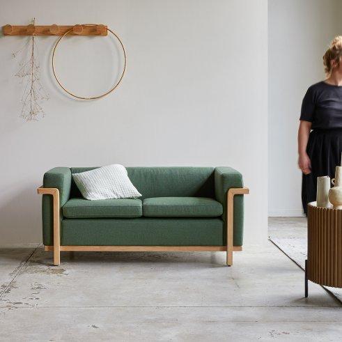 Cobbelwood Dark Green Sofa
