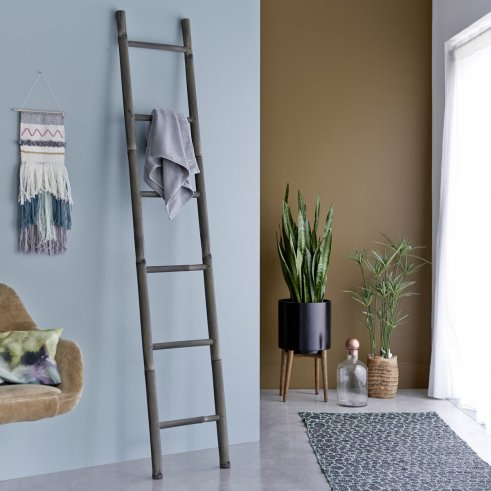 Ladder Black Bamboo Linen Rack 200